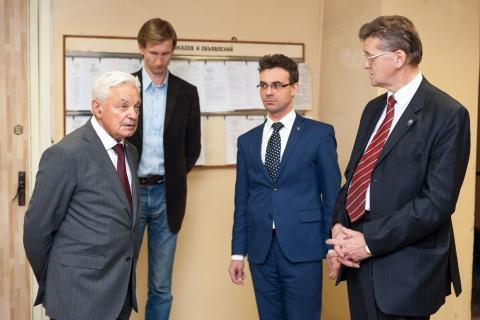 Визит Генерального директора НПО Искра М.И. Соколовского на кафедру КВиХТ