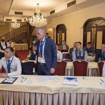 Конференция 2021: вопрос участникам задает К.Ю. Греков - представитель компании филиал ООО «Газпром инвест» «Газпром ремонт»